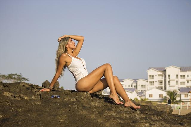 modelka v plavkách