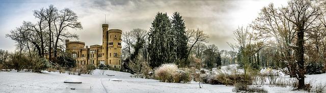 zámek v zimě